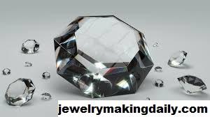 Ini Perbedaan Intan, Berlian, dan Permata Yang Harus Anda Ketahui
